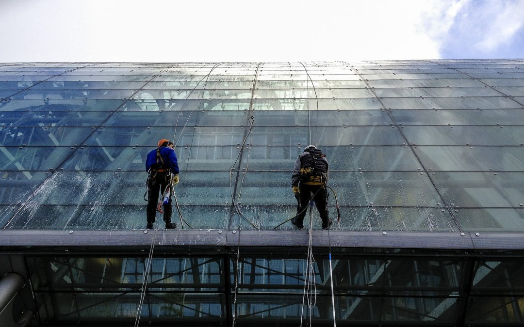 cleaning windows outdoor job_get back to sport
