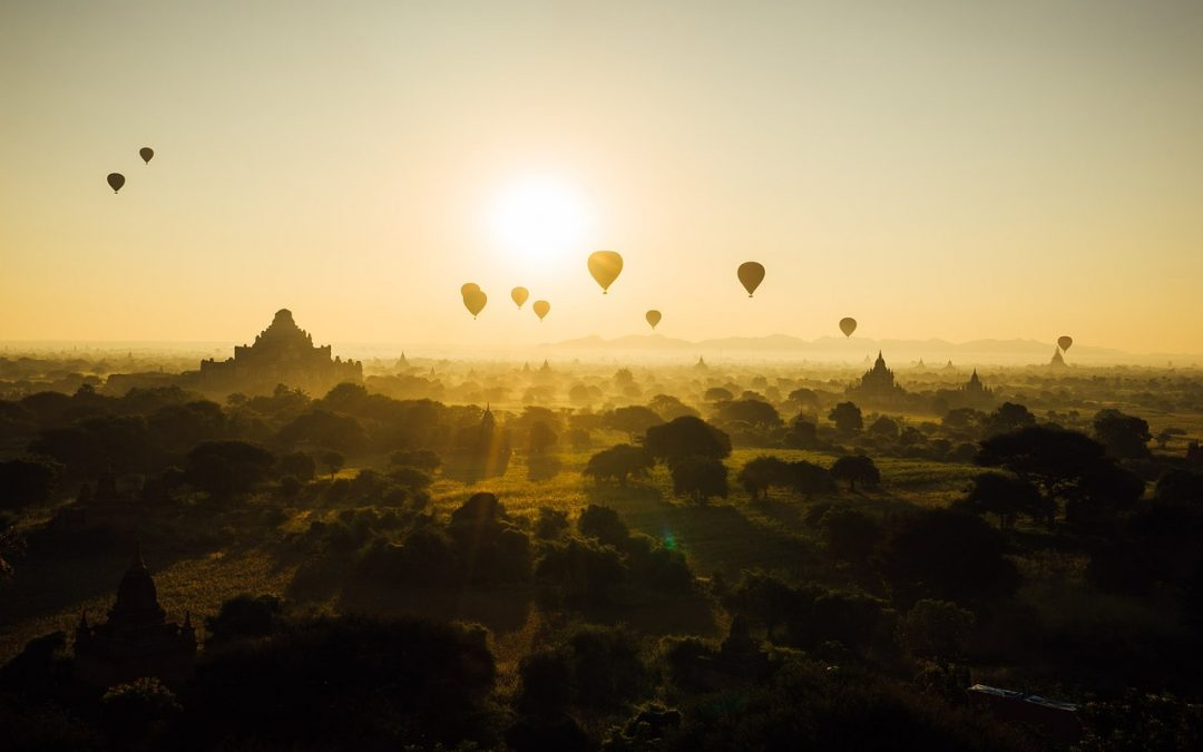 Hot air Balloons in sunshine_get back to sport